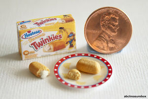 Image is loading Banana-Twinkie-Box-&-Twinkies-w-Paper-Plate- & Banana Twinkie Box u0026 Twinkies w/ Paper Plate 1:12 Miniature Handmade ...