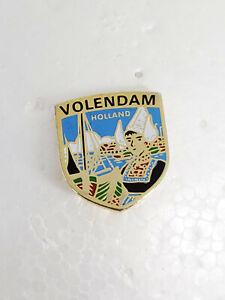 Volendam-Holland-Lapel-Hat-Collectible-Pin
