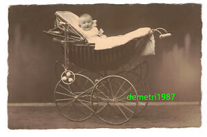 Photo-Ak-Beautiful-Pram-With-Baby-1910er-1920er-Haase-Gorlitz-A3952