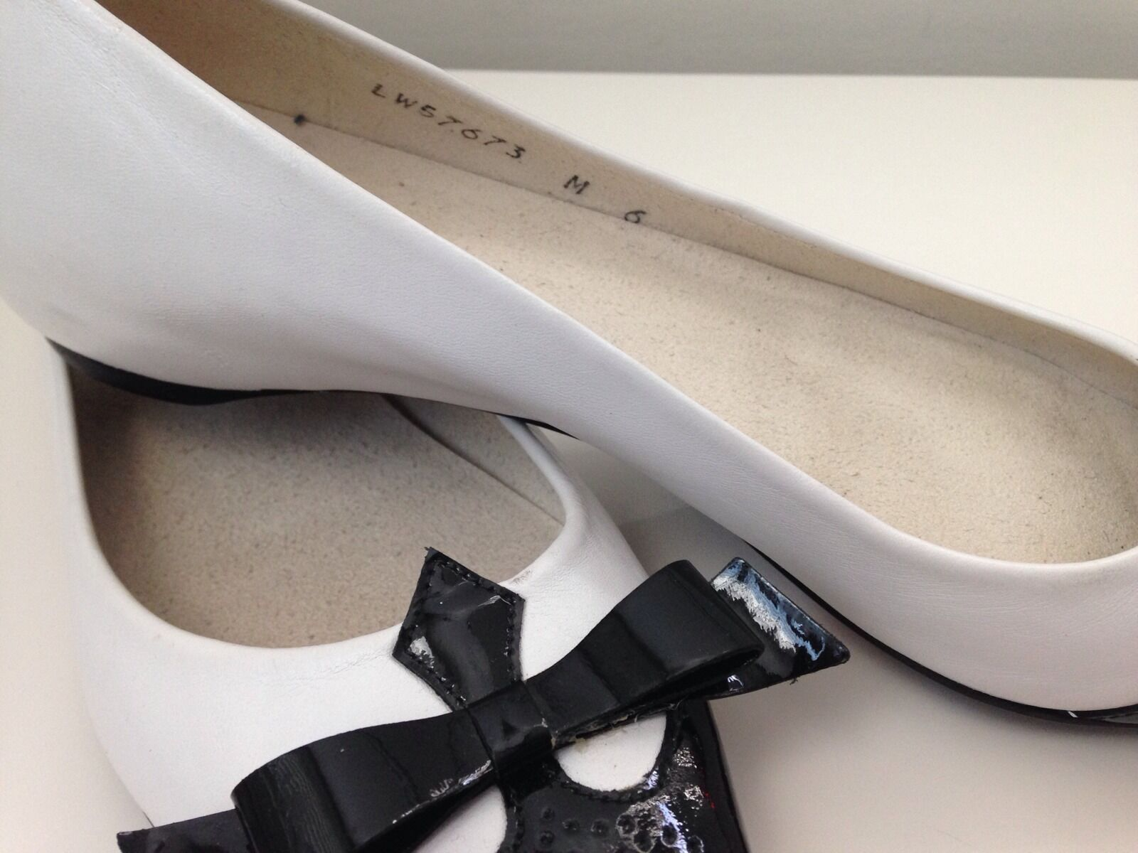 STUART WEITZMAN POINTY TOE TWO TONE FLATS - NEW M SIZE 6 M NEW 2c1a16