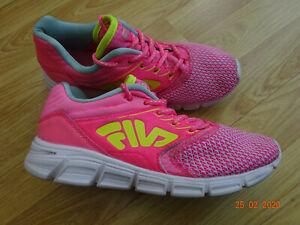 FILA GIRLS PINK RUNNING SHOES