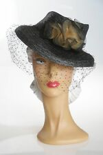 1940s Beautiful Woven Straw Hat with Face Veil & Unigue Feature & Double Bows.