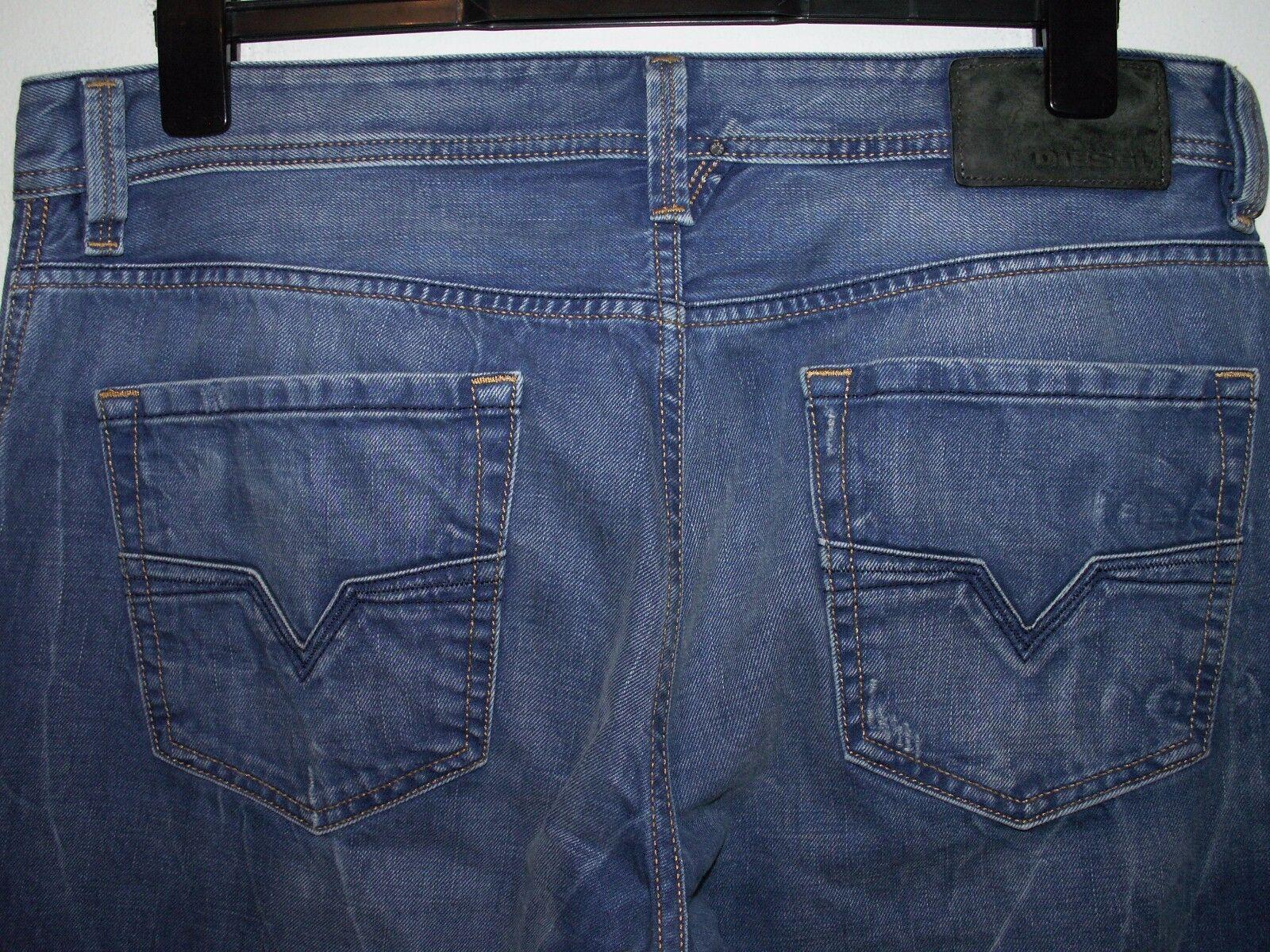 DIESEL Larkee Regular Fit Fit Fit Jeans Gamba Dritta 008PI W34 L32 (0550) 889575