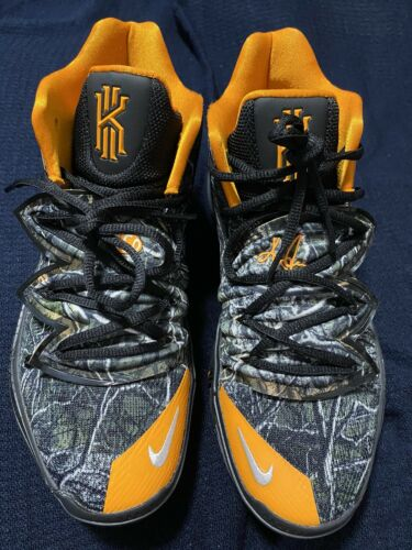 Nike Kyrie 5 Taco PE Size 9 (pre-owned) See Descri