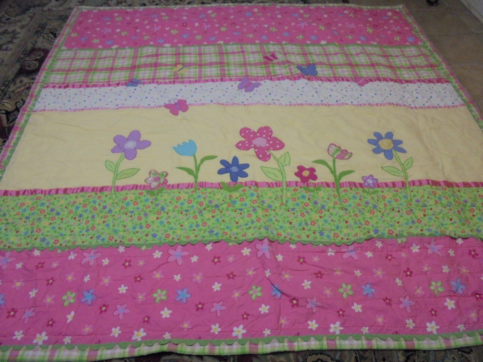 Cute Applique Flowers & Butterflies w Rift Raft & Ribbon Quilt