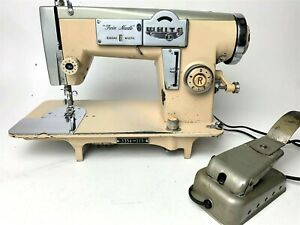 Vintage-WHITE-ZigZag-Twin-Needle-Sewing-Machine-w-Foot-Pedal-3354-315-JAPAN