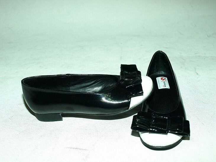BLACK OR RED PATENT LEATHER PUMPS SIZE 6-16  PRODUCER- POLAND