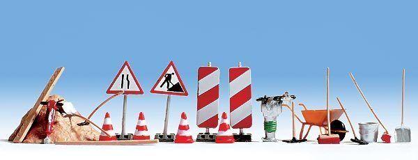 Figurines Noch H0 (14805): Road Accessories