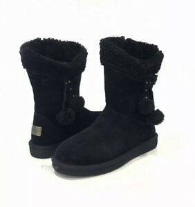 3f3199aee0c Details about UGG PLUMDALE CUFF SHORT BOOTS WATER RESISTANT BLACK SUEDE -US  SIZE 7 -NEW