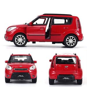 1/36 SCALA KIA Soul modello auto in lega Diecast Regalo Giocattolo Veicolo TIRA Bambini Rosso