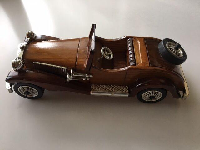 Auch das auto spielzeug aus holz vintage collection auto hand uns verkäufer