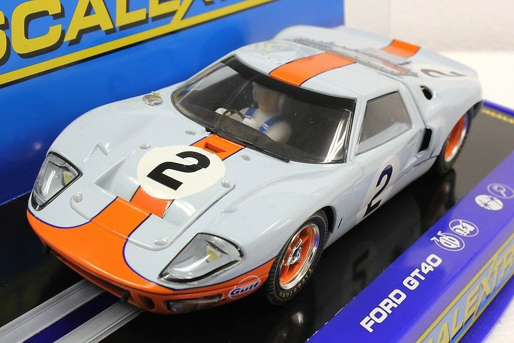 Scalextric C3325 GULF FORD GT40 Daytona avec lumières NEUF 1 32 Slot Car Limited Edit.