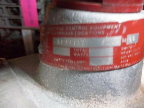 LL3 CROUSE HINDS EFD2437 S769 EXPLOSION PROOF RED PUSH BUTTON SWITCH USED