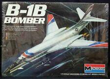 REVELL 04307 1:72 STRATEGIC BOMBER B-1B LANCER BNIB