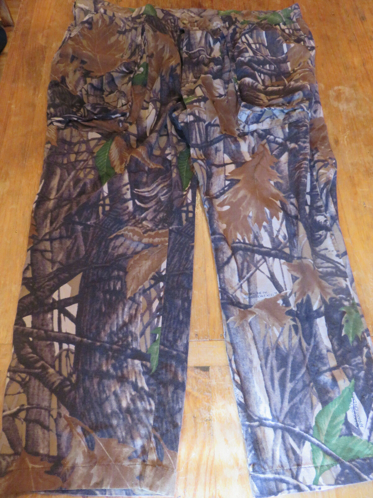 Orvis Men's Camo Hunting Pants Sz 46 Buzz Off treated