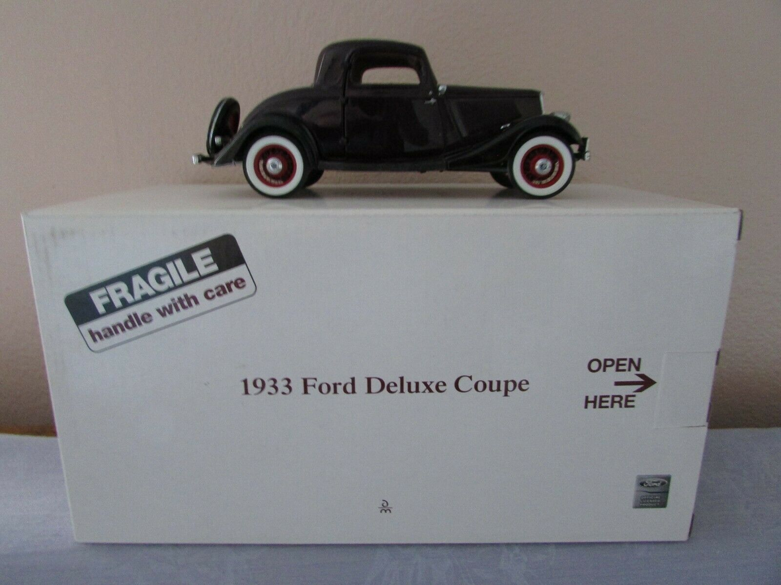 Danbury Mint Mint Mint 1933 Ford Deluxe Coupe ff9612