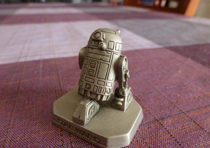 R2-D2-STAR WARS METAL FIGURE-1 30(60MM)LIC.LUCAS FILMS IMPORT. U.S.A.