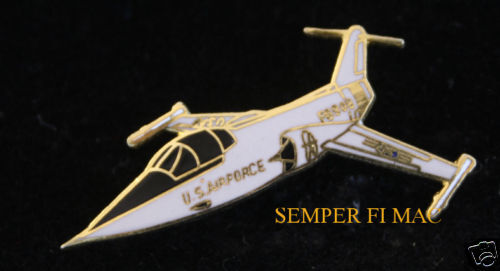 F-104 STARFIGHTER HAT LAPEL PIN UP US AIR FORCE  PILOT AIRCREW Century Series
