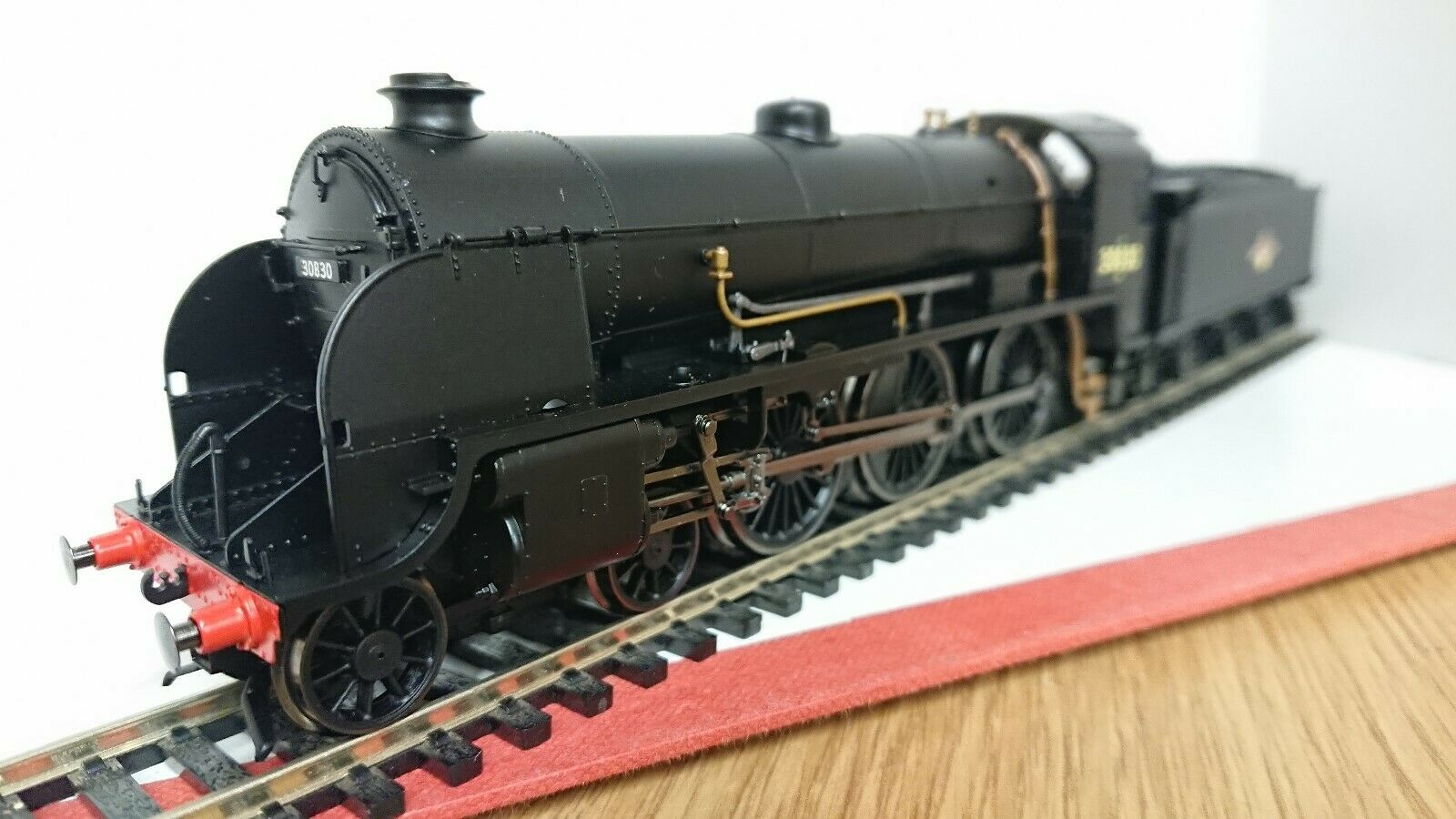Hornby R3329 BR (Late) S15 Class No. 30830  DCC Ready