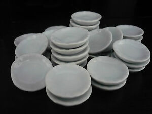 30x25 mm.White Flower Plates//Scalloped Plates Dollhouse Miniatures Ceramic Deco