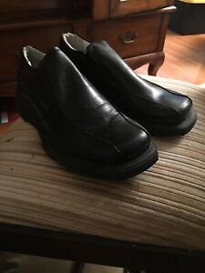 Kenneth Cole Reaction Mens Slip Ons New Size 9.5 Black