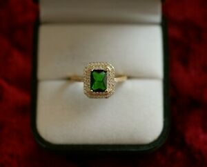 Antique-Jewellery-Gold-Ring-With-Emerald-White-Sapphires-Vintage-Jewelry-T-10
