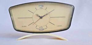 Rare-Soviet-vintage-mechanical-alarm-clock-SLAVA-USSR-1950-1960-039-s-bakelite