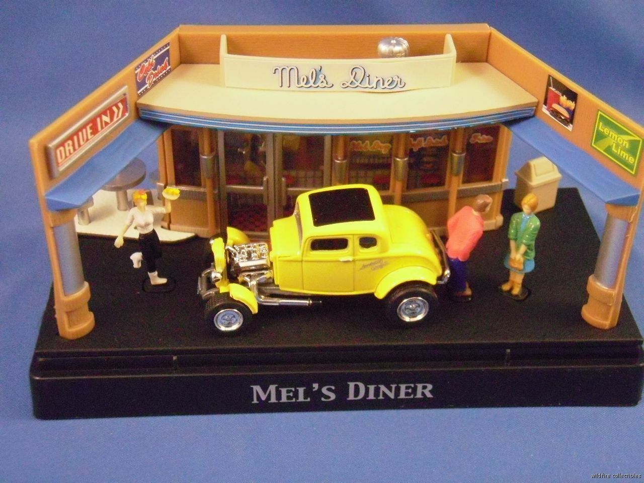 AMERICAN GRAFFITI MOVIE DIORAMA DIECAST 1 64 64 64 1932 FORD COUPE DIECAST MEL'S DINER 0ef41d