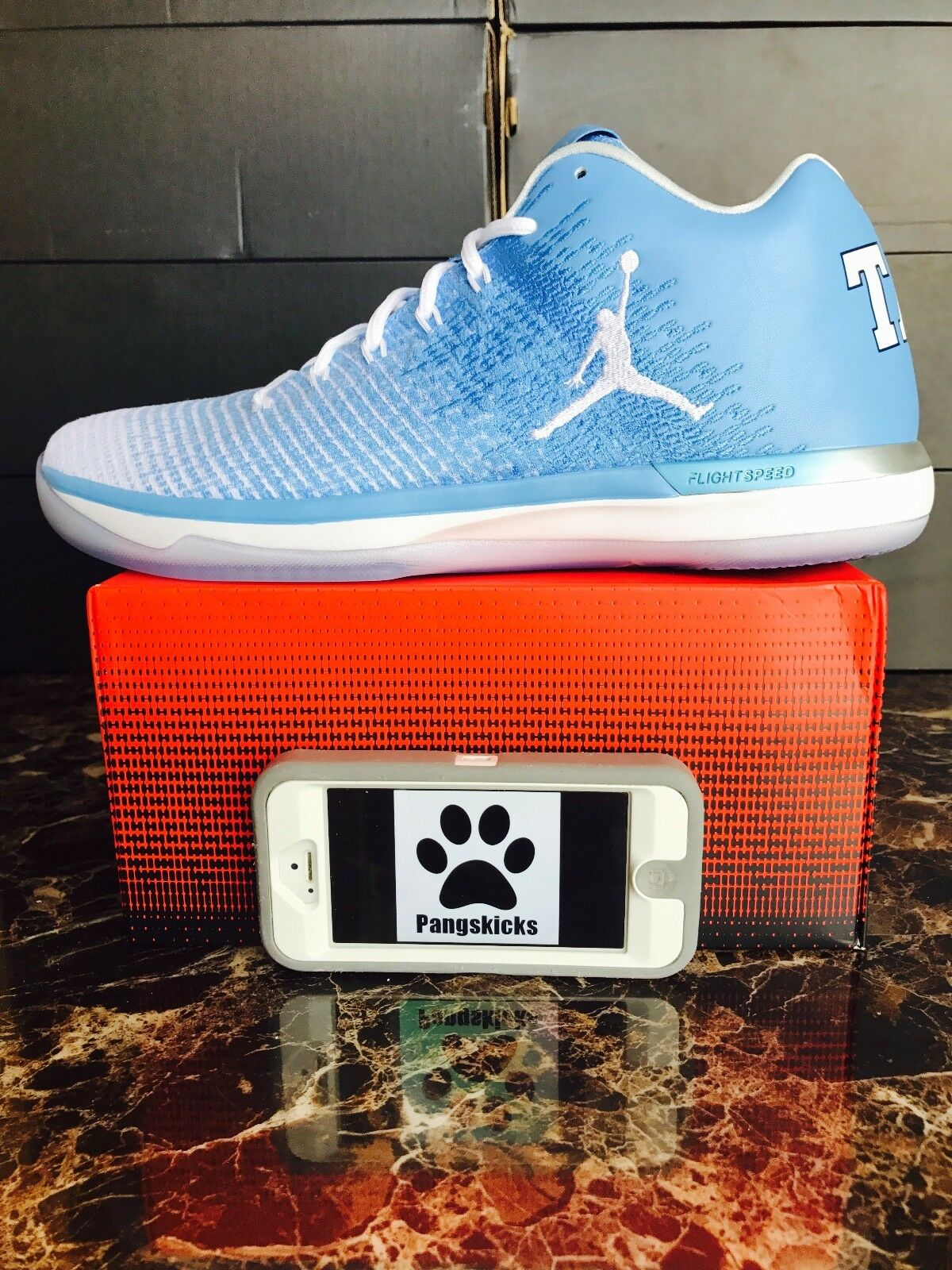 Nike Air Jordan 31 Low  UNC  North Carolina Tarheels PE 897564-407 Size 9