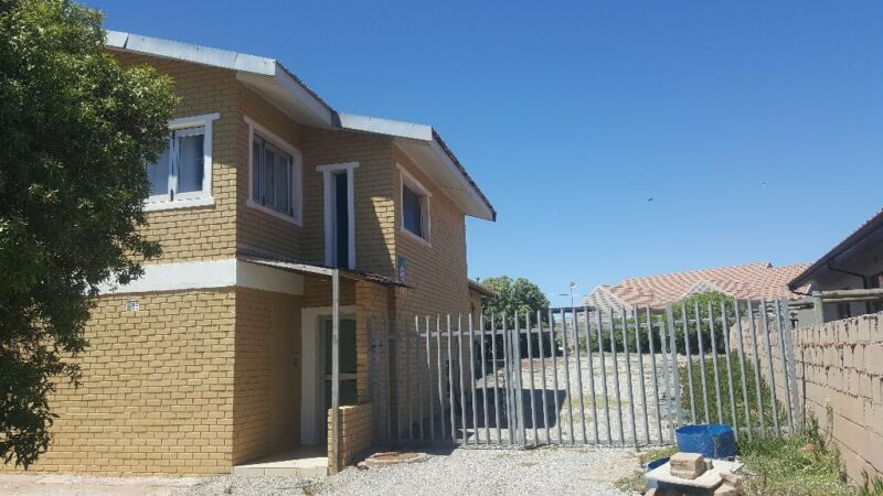 Beautiful house to rent in Bluewater bay