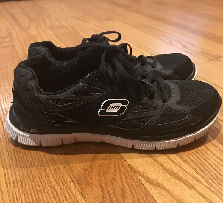 SKECHERS Light Weight Memory Foam Go Walk Run Yoga  Athletic Women shoes Sz 7.5