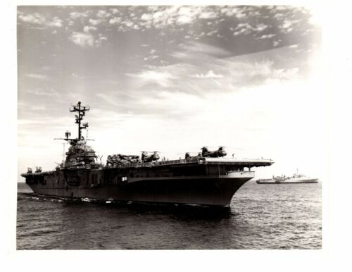 USS Valley Forge CV45 Aircraft Carrier thomaston Navy Ship Official Photo 8x10