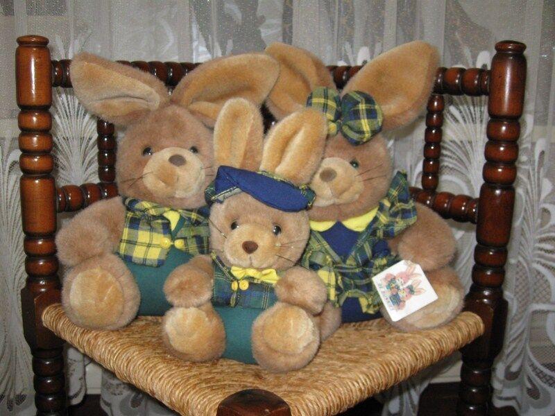 JBBT Holland Dutch Set of 3 The Bunnies Family Plush 1994