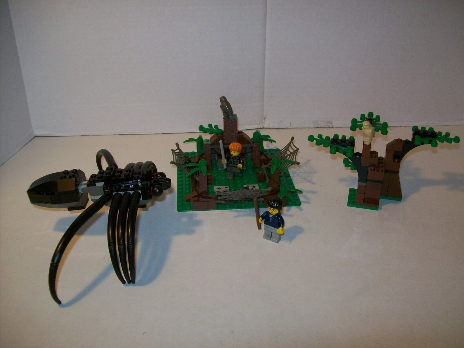 Lego Lego Lego 4727 Harry Potter ARAGOG IN THE DARK FOREST Complete w Box & Instructions 3f795b