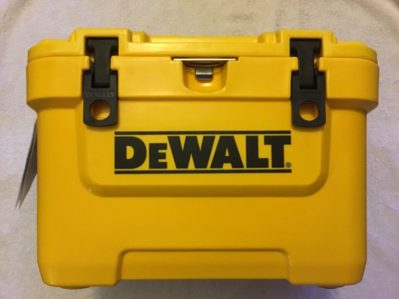 nouveau DeWalt DXC10QT 10 Quart Heavy Duty rougeo Molded Jobsite Work Cooler