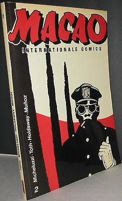 Volume 2 of Macao internationale Comics by Alex Toth, Jim Holdaway, Attilio Mich