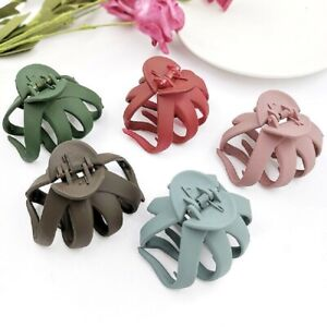 Solid-Color-Grip-Hair-Claw-Hair-Clip-Girls-Hairpin-Crab-Clamp-Barrette-Hot