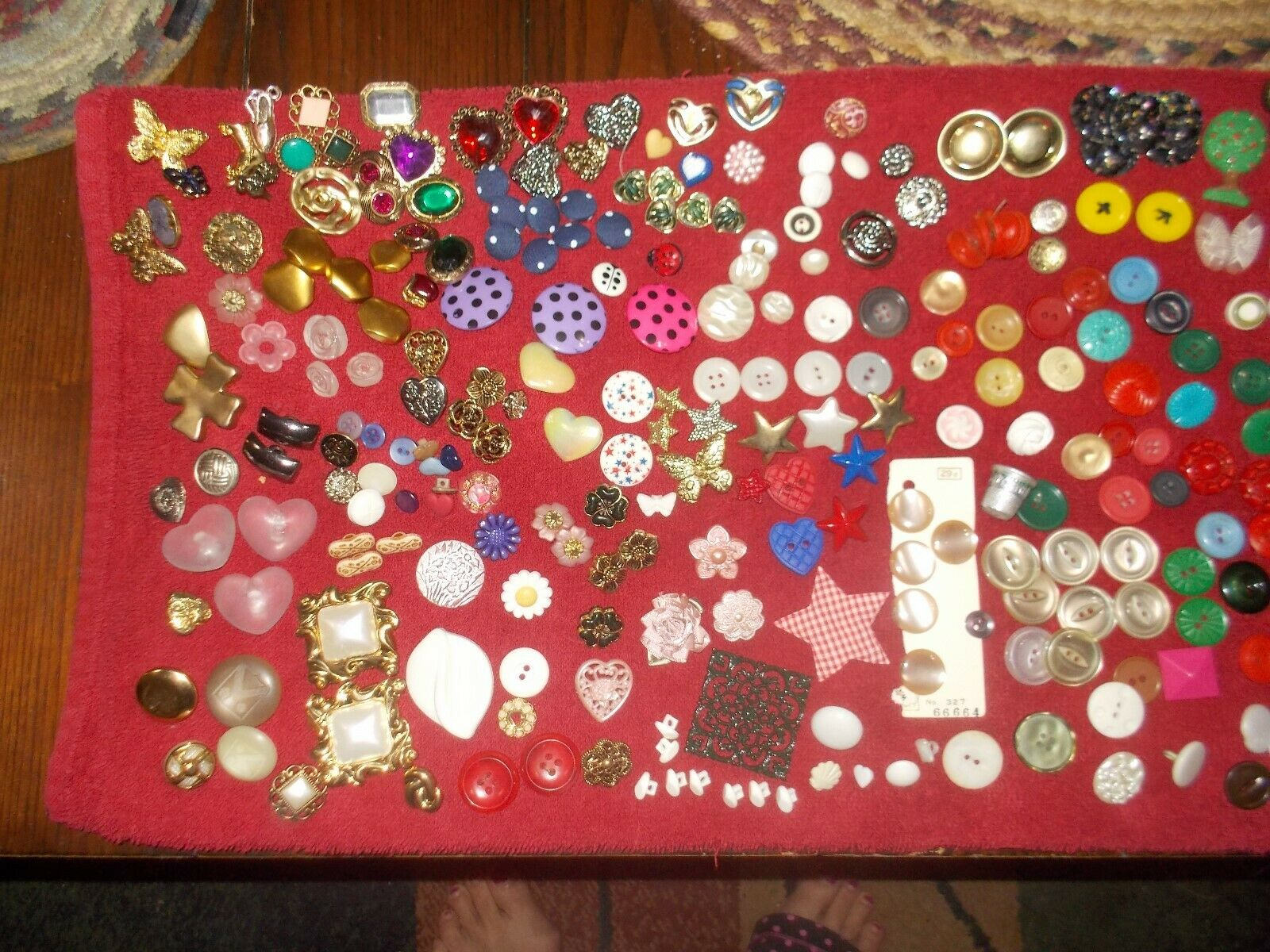 VINTAGE BUTTONS OVER 300 - image 2