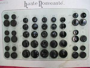 48-BOUTONS-BAKELITE-ANCIENS-COULEUR-NOIR-sur-carte-originelle