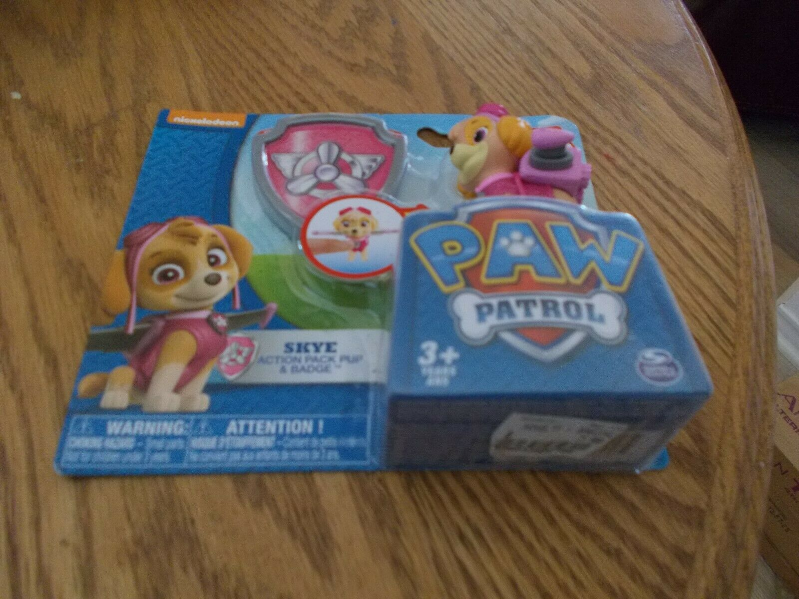 LOT OF 8 PAW PATROL   SKYE  ACTION PACK PUP & BADGE BRAND NEW SEALED