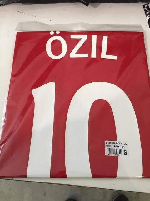 KIT MagliaCalzoni  Calcio OZIL ARSENAL F.C. ufficiale N 10 MESUT Gunners 2019