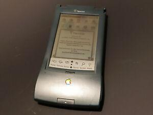 Apple-Newton-Messagepad-130-mit-viel-Zubehoer-einschl-Original-Lederetui