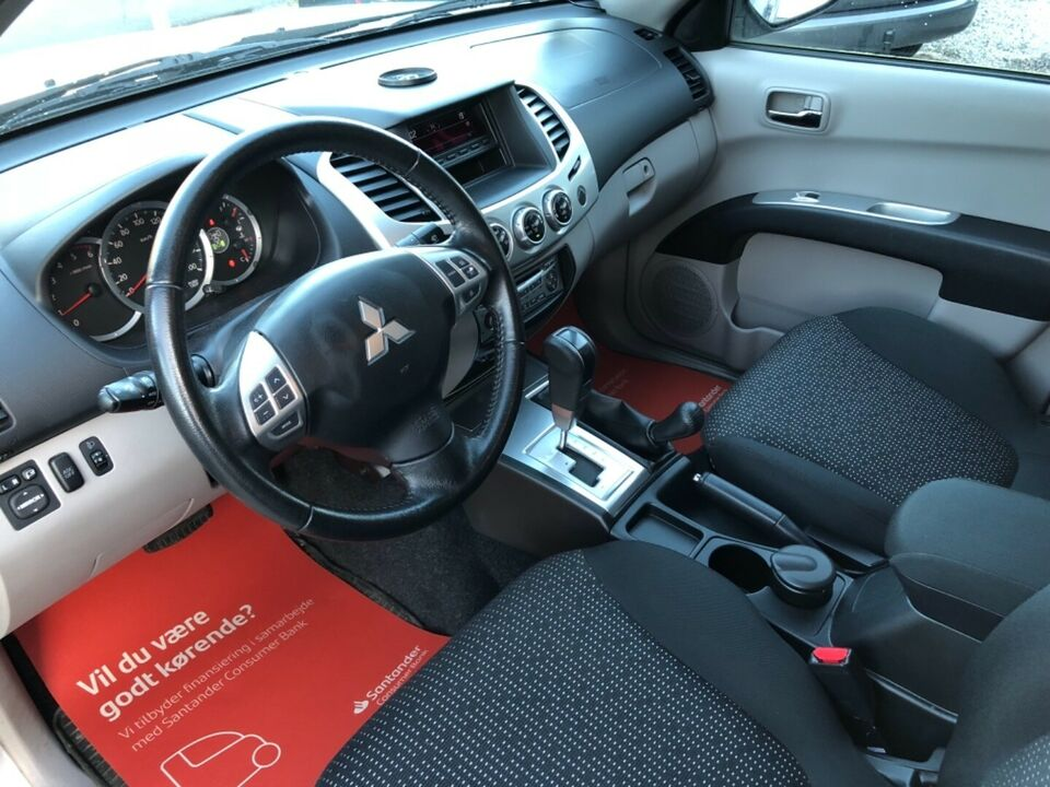 Mitsubishi L200 2,5 DI-D Db.Cab Intense aut. Diesel aut.