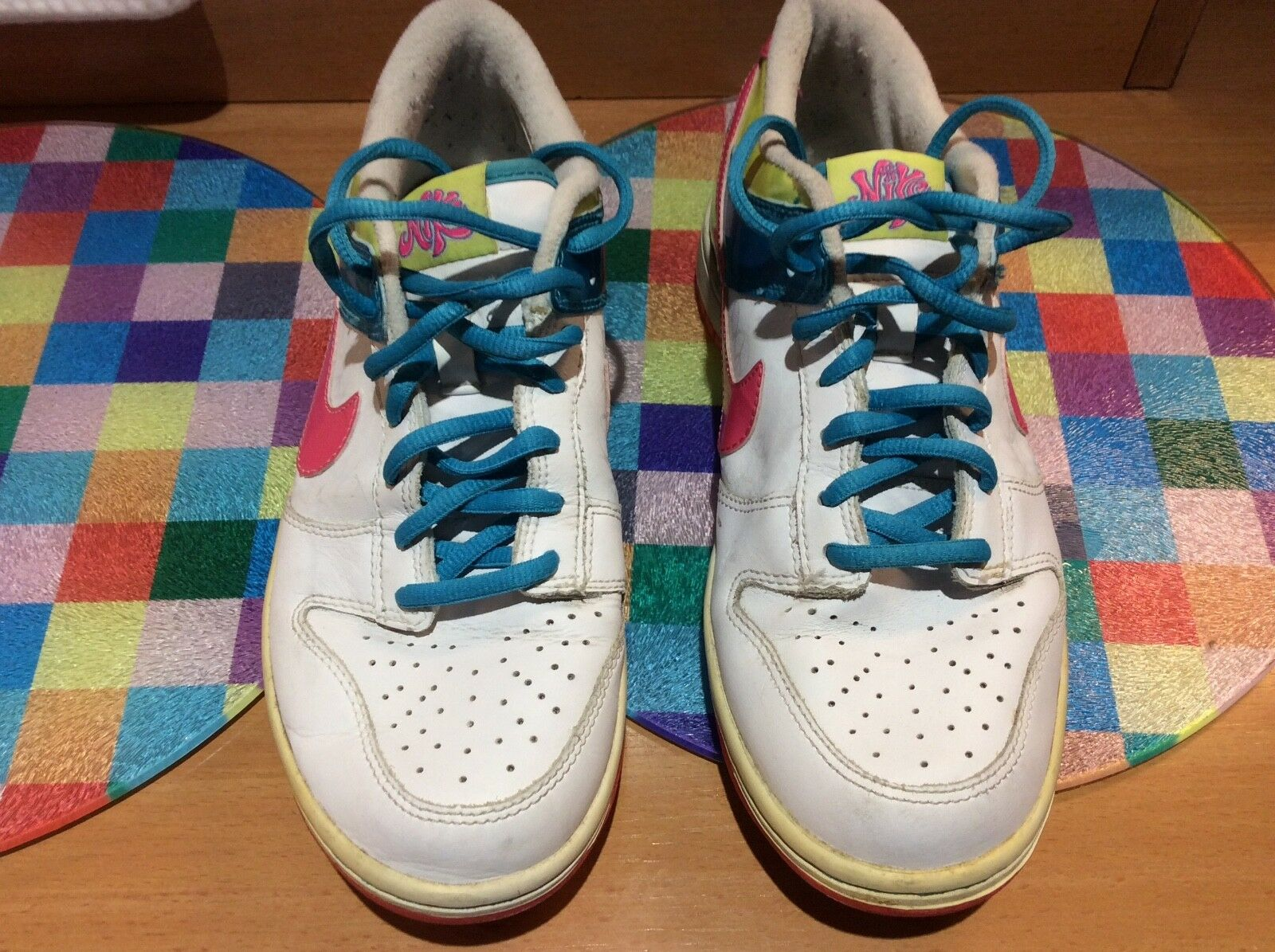 Ladies Nike White  leather TRAINERS UK size 5.5  Special limited time