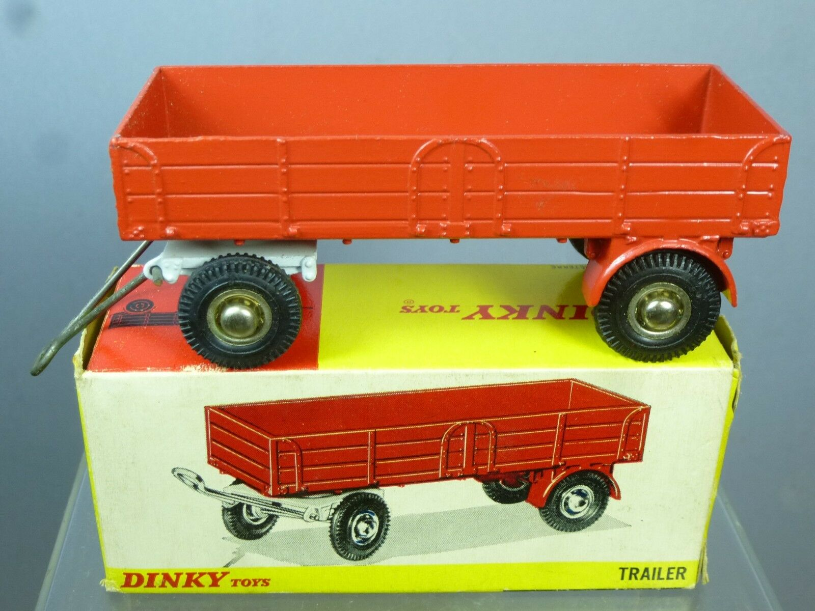 venta caliente Dinky Juguetes Modelo No.428 Grande Remolque    final Rojo versión  MIB  mas barato