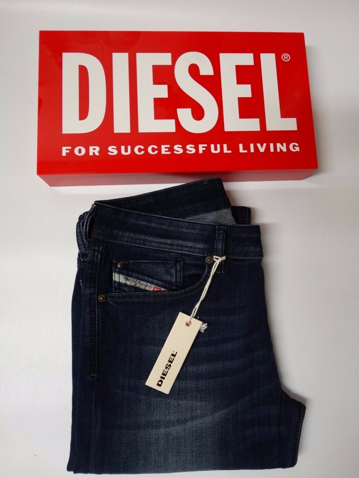 Diesel Jeans - Waykee - Straight Fit - 814W (Stretch) - BNWT