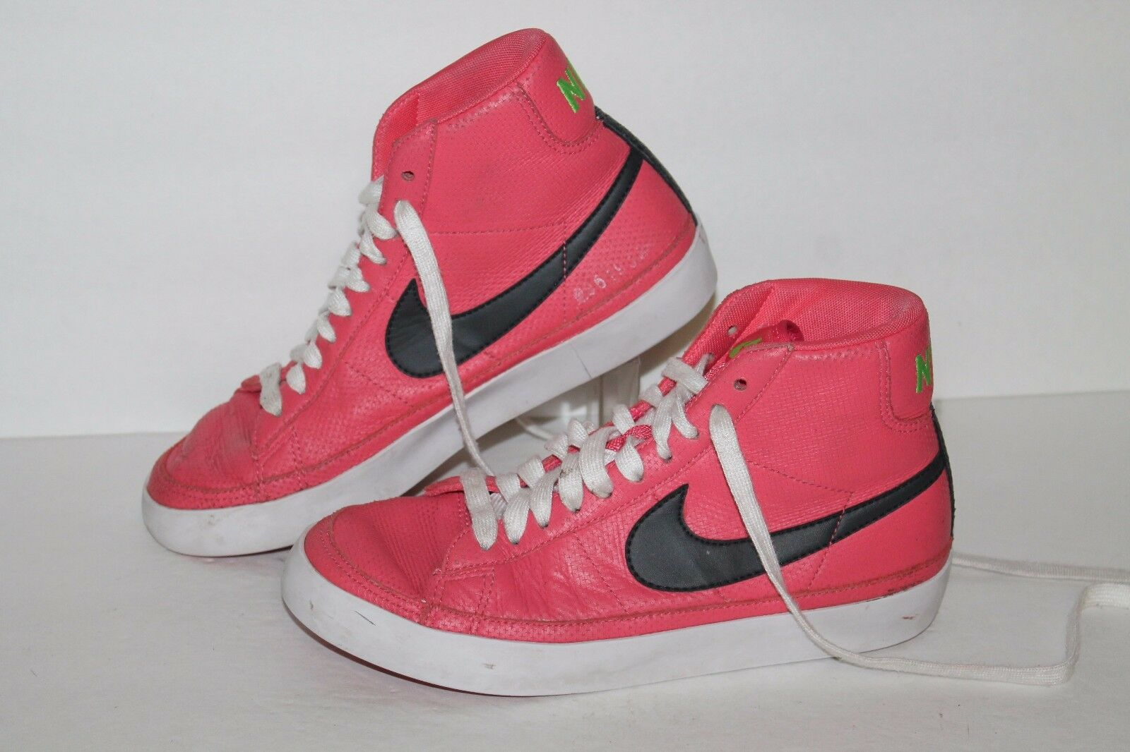 Nike Blazer Mid Casual Sneakers, Fruit Punch/Grey, Womens US Size 7