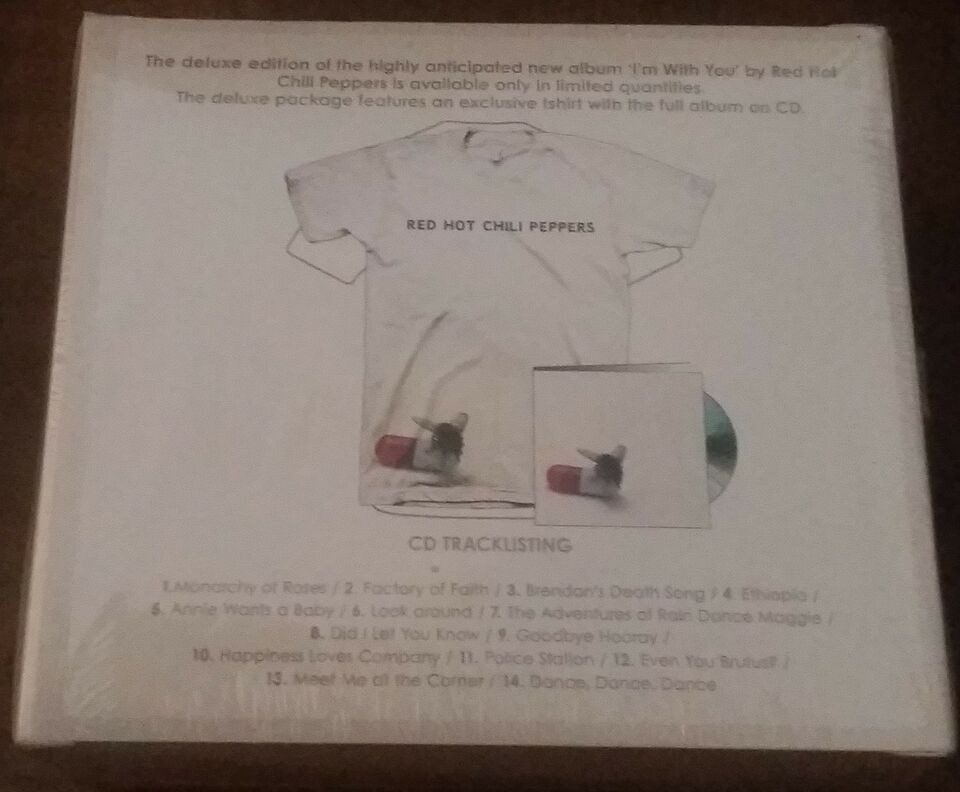 Red Hot Chilli Peppers: New album + t-shirt, rock
