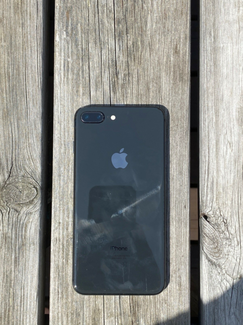 iPhone 8 Plus, 64 GB, sort, Perfekt, Sælger min iPhone 8…