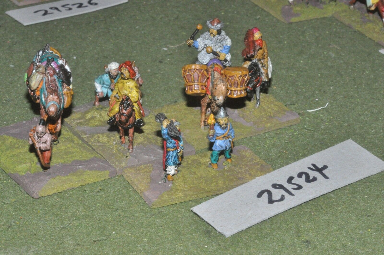 25mm medieval   mongol - camp followers (as photo) - baggage (29524)